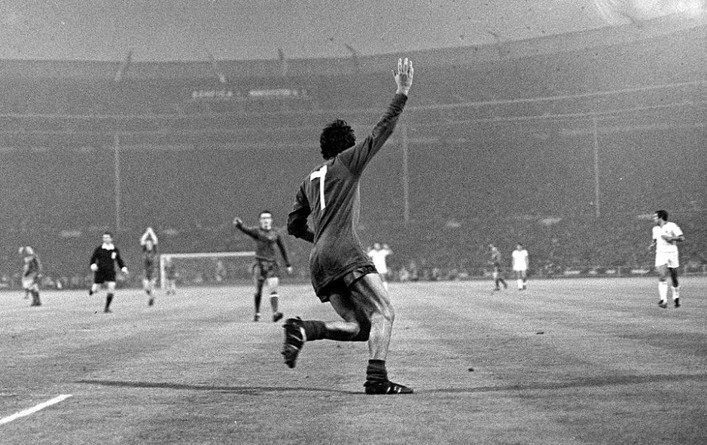 George Best po bramce w 1968