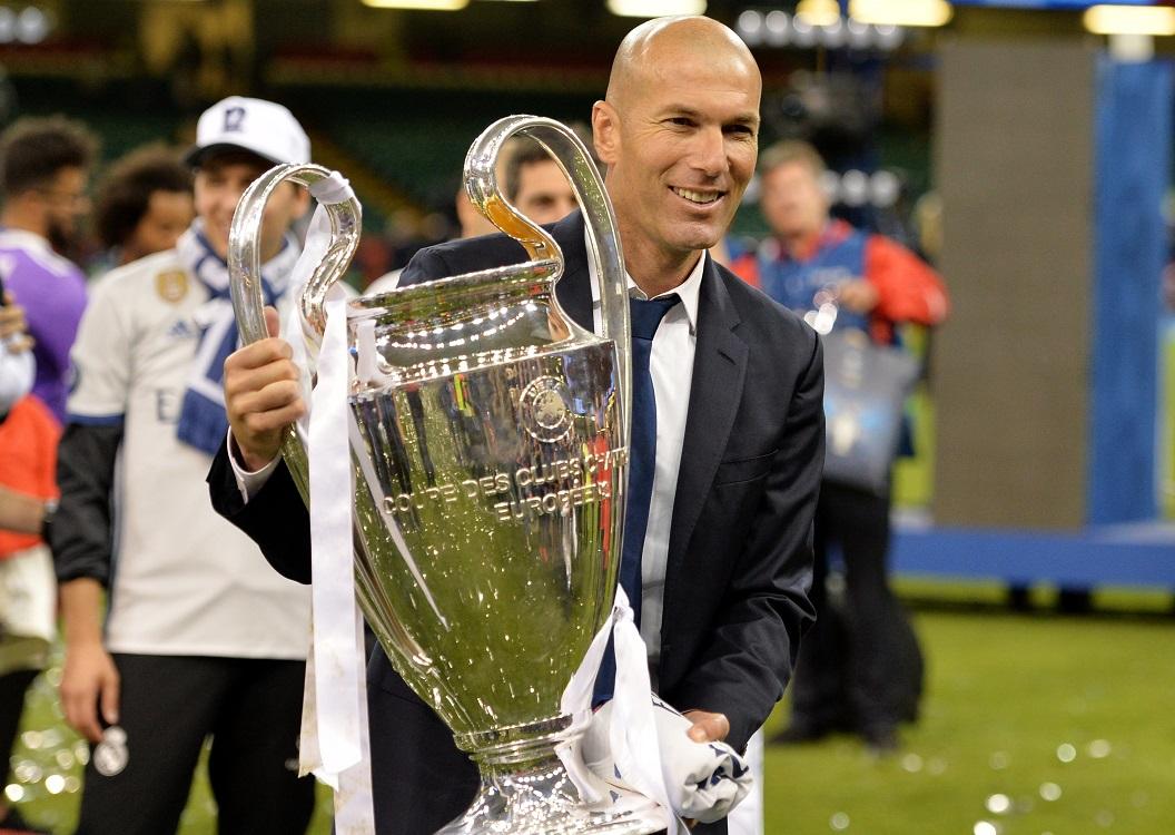 Zidane z pucharem