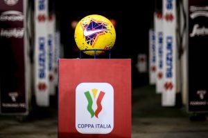 Piłka Nike oraz logo Coppa Italia