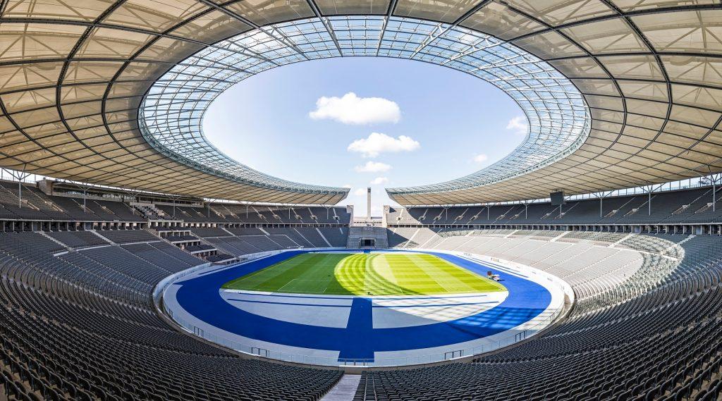 Olympiastadion wewnątrz