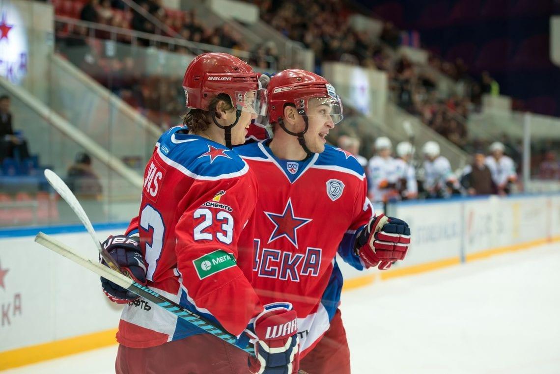 Dwaj hokeiści CSKA