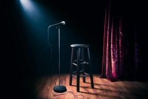 Mikrofon i stołek