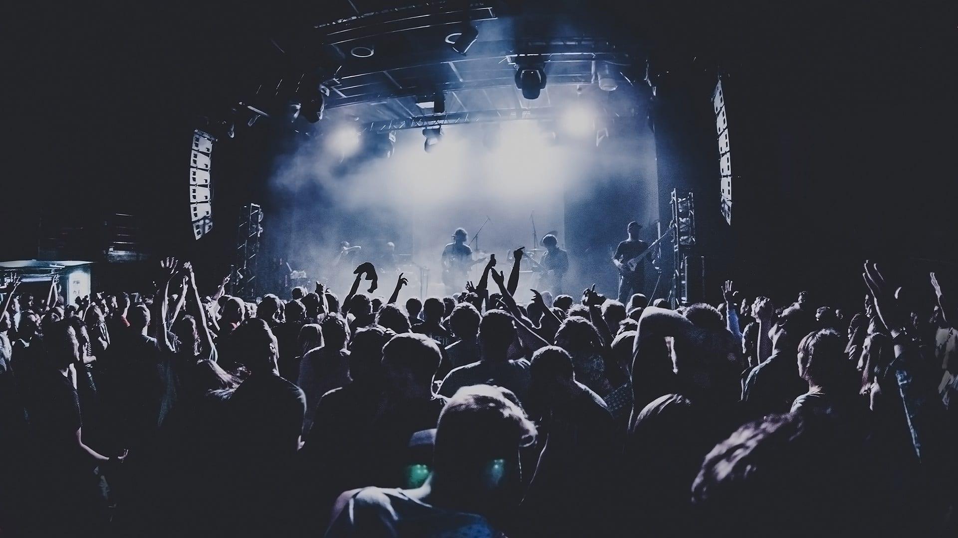 Koncert z tłumem ludzi