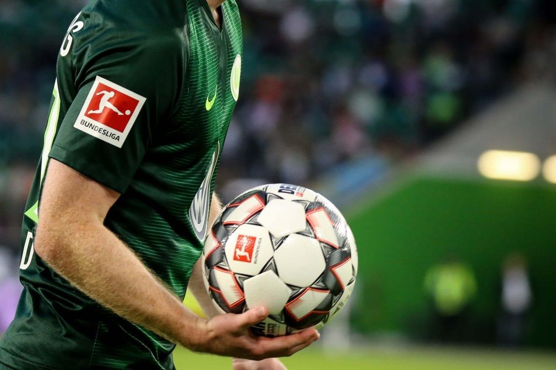 Piłkarz, piłka nożna, logo Bundesligi