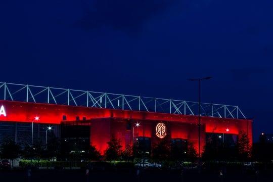 Stadion Mainz w nocy