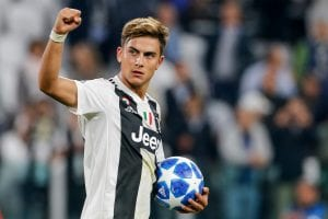 Zawodnik Juventusu Paulo Dbala