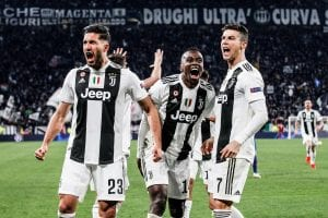 Piłkarze Juventusu po bramce
