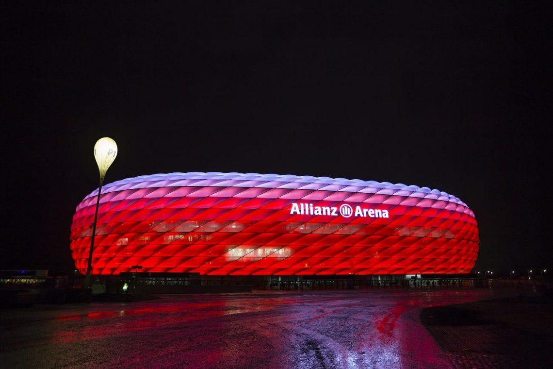 Stadion Bayernu nocą