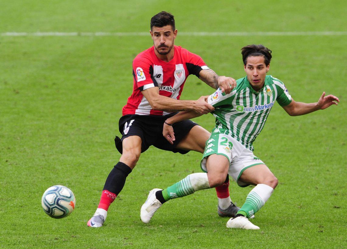 Dwaj zawodnicy Bilbao i Betis
