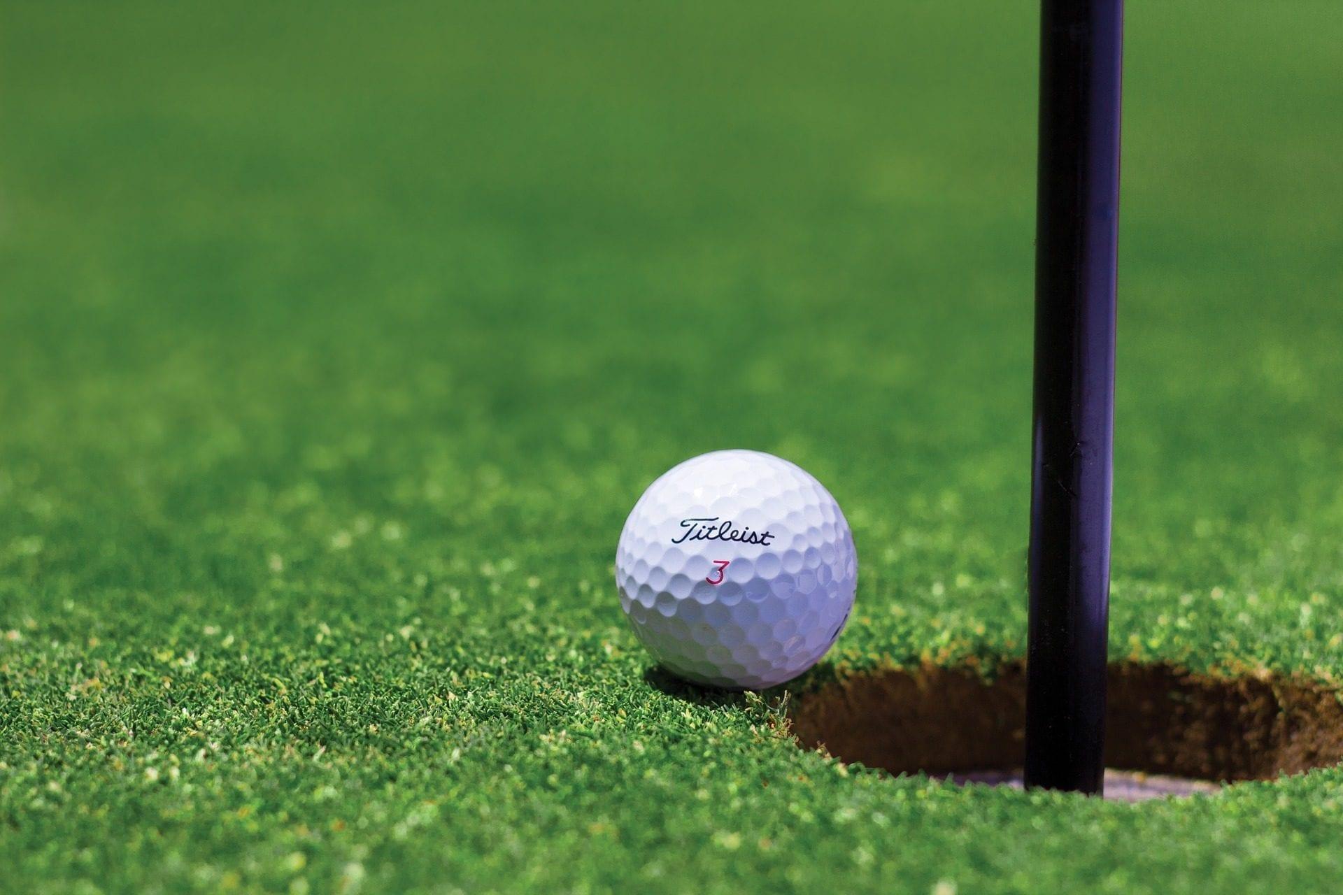 Golf piłeczka
