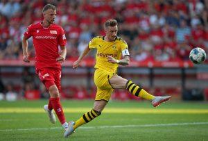 Zawodnicy Unionu Berlin i Borussii Dortmund
