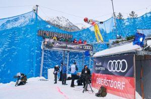 Wybicie z progu na skoczni w Oberstdorfie
