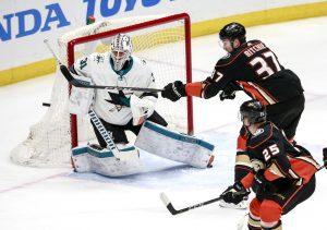 National Hockey League 23.04