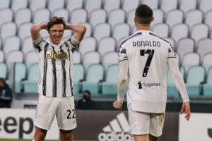 Federico Chiesa oraz Cristiano Ronaldo