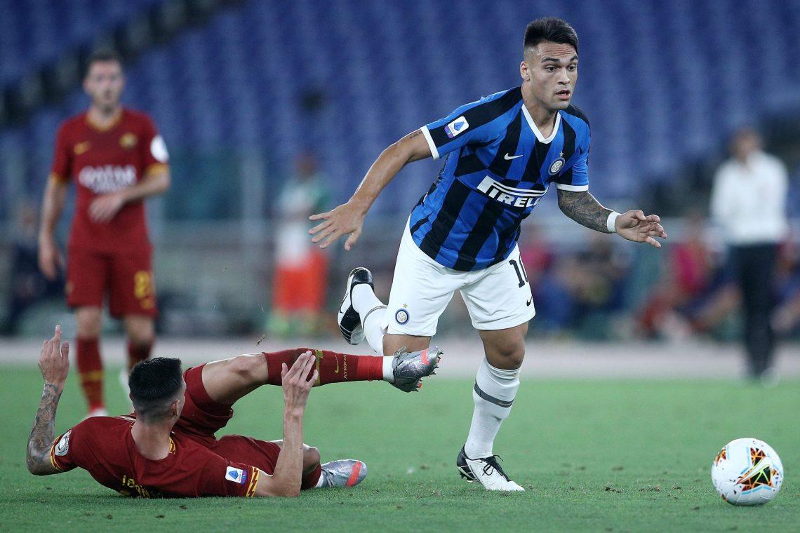 Lautaro Martínez oraz zawodnik Romy