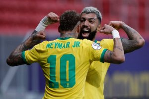 Neymar i Gabriel Barbosa po golu - kupon Copa America 17.06, betfan