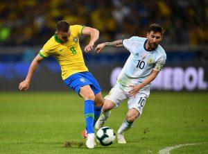 Messi vs Brazylia
