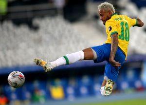 Neymar strzał